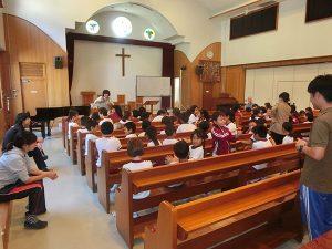 三育小学校で福祉体験学習